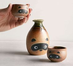 Tanuki-Raccoon Sake Set - #japan #sake #cups #drinks #adorable #unusual #gifts - http://madeofmillions.com/tanuki-raccoon-sake-set/