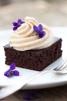 La început de primăvară, Redd's are pentru tine un articol dulce cu 10 deserturi pentru primăvară. Care este preferatul tău?