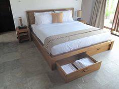 cama de madera de teca. Diseño, producción y fabricación a medida y exclusiva por www.comprarenbali.com