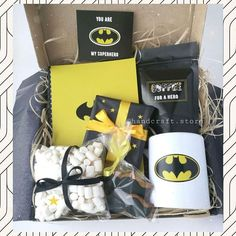 Ideas birthday gifts diy ideas men for 2019 Birthday Presents For Dad, Birthday Gift Baskets, Diy Gift Baskets, Birthday Gifts For Best Friend, Unique Birthday Gifts, Birthday Crafts, Basket Gift, Christmas Birthday, You Are My Superhero
