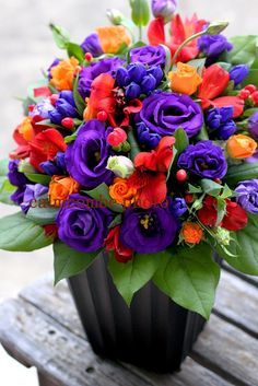 Beautiful Rose Flowers, Amazing Flowers, Beautiful Flowers, Flower Box Gift, Flower Boxes, Purple Flowers Wallpaper, Birthday Wishes Flowers, Rose Flower Arrangements, Good Night Flowers