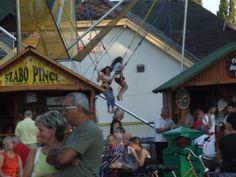 Balatonlelle Weinfest / hüpfende Kinder
