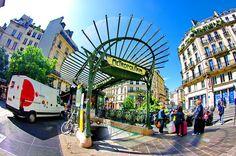 une sortie de métro, station Art Nouveau, par Hector Guimard: métro Châtelet Place Sainte-Opportune 3 by paspog, via Flickr