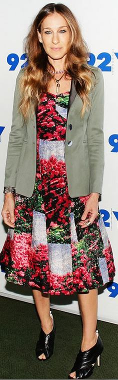 Sarah Jessica Parker: Dress – Tracy Reese  Shoes – SJP Collection  Necklace – House of Lavande Vintage  Jacket – Halston