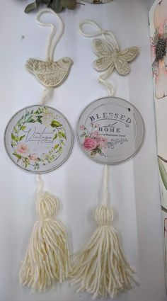 Creative Crafts, Diy And Crafts, Arts And Crafts, Cds, Diy Tassel, Repurposed Items, Paper Tags, Dollar Store Crafts, Vintage Crafts