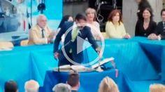 Borja Gutiérrez Iglesias, reelecto alcalde de Brunete, en la Comunidad Autónoma de Madrid (España), se rehusó a juramentar en su cargo mientras no estuviera presente sobre la mesa un crucifijo.