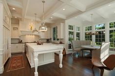 Luxury traditional kitchen by Heritage Luxury Builders