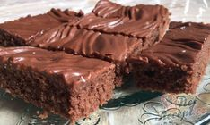 Wunderbarer Nescafé Kuchen mit Schokoglasur - mostly sweets ! Chocolate Cake Icing, Chocolate Glaze, Food Cakes, Low Crab Meals, Cake & Co, Nescafe, Cheesecake Recipes, Cake Cookies, Bakery