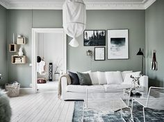 Do This, Get That Guide On Gorgeous White Living Room Decor - inspiredeccor Apartment Interior, Living Room Interior, Home Living Room, Living Room Designs, Living Room Decor, Apartment Ideas, Green Apartment, Decoracion Low Cost, Living Room Green