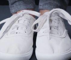 물로 헹구지 않고 운동화 세탁하는 놀라운방법 꿀팁 :: 하루살이 정보세상 Sneakers, Study, Shoes, Fashion, Tennis, Moda, Slippers, Studio, Zapatos