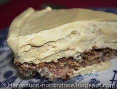 Kjernesunn Nordkvinne: Iskake med kaffesmak Muffins, Low Carb, Pie, Desserts, Food, Cakes, Torte, Tailgate Desserts, Muffin