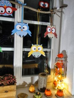 Window decoration owls - the handicraft page by Ines Owl Crafts, Diy Arts And Crafts, Hobbies And Crafts, Creative Crafts, Crafts For Kids, Paper Crafts, Diwali For Kids, Diwali Diy, Diwali Craft