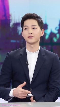 Find images and videos about korean, kdrama and song joong ki on We Heart It - the app to get lost in what you love. Song Joong Ki Cute, Soon Joong Ki, Deep Rooted Tree, Sun Song, Sungkyunkwan Scandal, Cutest Couple Ever, Hallyu Star, Innocent Man, Descendants
