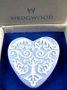 Wedgewood Jasperware Heart Pin ~ Original Box