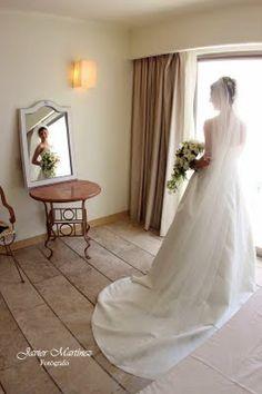 Velo de novia ideal para tu boda en playa por Bodas Huatulco Beach Wedding Hair, Wedding Hairstyles, Wedding Dresses, Hair Styles, Fashion, Bridal Veils, Wedding Hair Styles, Beach Weddings, Weddings