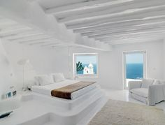 White Luxury house in Mykonos, Greece 05 Coastal Bedrooms, Luxurious Bedrooms, Modern Bedroom, Home Interior, Interior And Exterior, Interior Design, Mykonos Villas, Mykonos Greece, Santorini