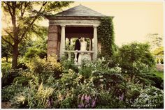 This lush green photo opp at the Chicago Botanic Gardens is gorgeous. Illinois Wedding Venues, Chicago Wedding Venues, Wedding Day Checklist, Wedding Planning Websites, Wedding Assistant, Chicago Botanic Garden, Green Photo, Garden Pictures, Wedding Locations