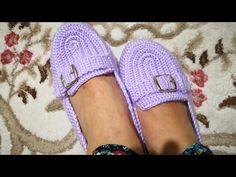 Crochet Boots, Crochet Baby Booties, Crochet Slippers, Crochet Clothes, Yarn Projects, Crochet Projects, Flip Flop Sandals, Shoes Sandals, Chrochet