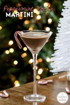 Peppermint Mocha Martini - yum! Cheers! Find the recipe here: http://www.inspiredbycharm.com/2013/12/pumpkin-spice-and-peppermint-mocha-martinis.html #12days72ideas #IBCholiday