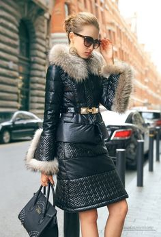 Down skirt and jacket Fur Fashion, Leather Fashion, Winter Fashion, Fashion Outfits, Womens Fashion, Winter Coats Women, Coats For Women, Jackets For Women, Clothes For Women