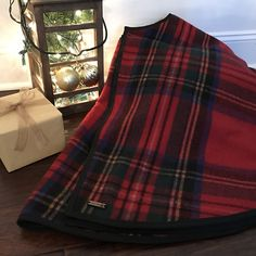 Classic Christmas Tree Skirts Are Always In Style Cozyconifer2017 Cozyconifer Christmastreeskirts