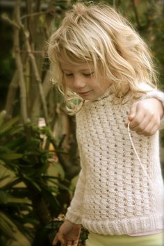 Snowflake sweater for Alma. Pattern by Paelas - more photos and info on my blog: www.knitmandu.blogspot.com