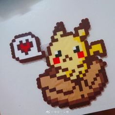 Pokémon in a box Perler Bead Designs, Perler Bead Templates, Hama Beads Design, Pearler Bead Patterns, Perler Patterns, Pyssla Pokemon, Hama Beads Pokemon, Diy Perler Beads, Perler Bead Art
