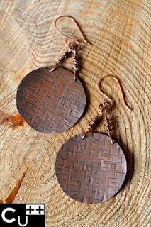 Texturized earrigs. Copper.