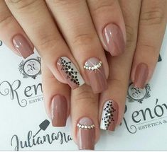 Best Nail Art Designs 2018 Every Girls Will Love These trendy Nails ideas would gain you amazing compliments. Check out our gallery for more ideas these are trendy this year. Best Nail Art Designs, Flower Nail Designs, Acrylic Nail Designs, Acrylic Nails, Bling Nails, My Nails, Trendy Nails, Cute Nails, Nails Only