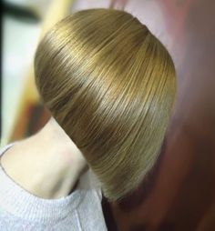 Bun Hairstyles For Long Hair, Long Bob Haircuts, Pretty Hairstyles, Bob Hairstyles, Angled Bobs, Inverted Bob, Medium Hair Styles, Curly Hair Styles, Shaved Bob