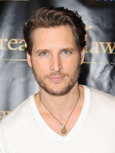 Peter Facinelli...better known as Carlisle Cullen