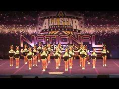 Simple, effective Pyramid Notre Dame Football, Ohio State Football, Ohio State Buckeyes, College Football, American Football, Cheerleading Videos, Cheerleading Pyramids, Cheer Fails, Cheer Routines