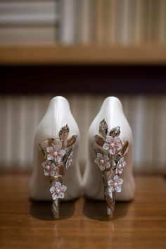 Ornate Wedding Shoes With Floral Bling | Photo: Jessica Ranae Photography | Shoes: Harriett Wilde