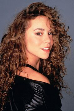 ''I had a vision of love And it was all that you've given to me. Mariah Carey Music, Mariah Carey 1990, Mariah Carey Pictures, Divas, Vision Of Love, Martina Mcbride, 80s Hair, Portraits, Celine Dion