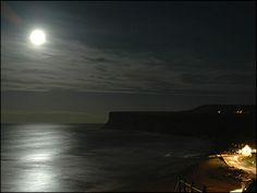 Beautiful Full Moon Photos | Frank Sutton took this picture of a beautiful full moon in Saltburn.