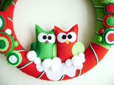 I am beside myself with how cute this is. I looove owls! This Etsy seller has some darn cute stuff.