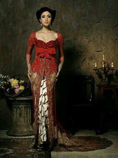 The big red bow Indonesian Kebaya, Indonesian Women, Indonesian Wedding, Kebaya Lace, Kebaya Dress, Batik Kebaya, Modern Kebaya, Lace Dress, Dress Up