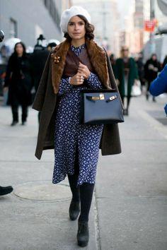 'Tweenties'... Boina, abrigo con cuello de pelo, bolso rígido, anillo con bolas... NYFW A/W 2014