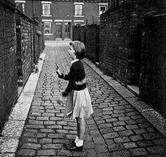 Children's Games - some great pictures here, bring back so many memories. 1970s Childhood, My Childhood Memories, Holland, Teenage Years, The Good Old Days, Back In The Day, Old Photos, The Past, Old Things