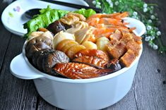Pen Cai 盆菜 - Eat What Tonight Pork Roast Recipes, Duck Recipes, Asian Recipes, Ethnic Recipes, Chinese New Year Dishes, Chinese Food, Three Cup Chicken, Chinese Mushrooms, Fresh Scallops