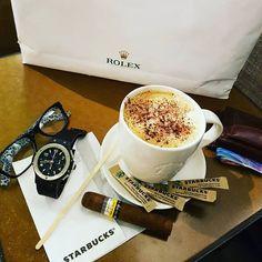 Good morning !! ☕☕☕ #watch #watches #timepiece #wristwatch #picoftheday #watchaddict #wristcandy #wristgame #horology #dailywatch #watchpic #watchgeek #hublot #watchesofinstagram #instawatch #watchmaking #menswatch #luxurywatch #hautehorlogerie #cohibamaduro #swisswatches #wristshot #watcheslovers #lifestyle #billionaire #champagne #cigar #money #hublotmea #buyrolex @todayswatchfashion,