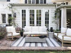 Summer outdoor rooms that will inspire you! #porch #porchdecor #patio #patiodecor #summertime