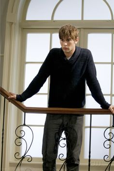 "Chace Crawford as Nate Archibald ""Woman on the Verge"""
