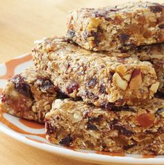 Chewy Almond Energy Bars get a flavor boost from lightly toasted oats and sliced almonds. Increase the protein by swapping your favorite protein powder for the dry milk.