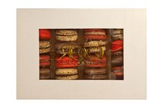 Valentine Macacron gift box, sweet and chic, from Eddy Rocq Macarons.