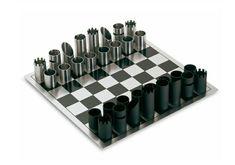 schachfiguren röhren metall schwarz chrom