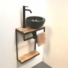 The small rustic toilet can bring a lot of charm to the decor even in a small environment. Steel Furniture, Diy Furniture, Furniture Design, Modern Wood Furniture, Furniture Projects, Wood Projects, Bathroom Design Luxury, Bathroom Design Small, Kitchen Design