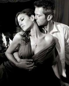 The art of seduction Art Of Seduction, Romantic Couples, Romantic Music, Hot Couples, Couple Pictures, Random Pictures, Belle Photo, Lust, Images