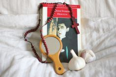 dracula by bram stoker, book review // earworm & plum pudding