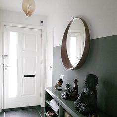 hal binnenkijken bij iinge muur interieur en lambrisering. Black Bedroom Furniture Sets. Home Design Ideas